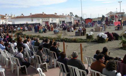 Más de 150 vecinos cooperan en el Belén Viviente de Almayate