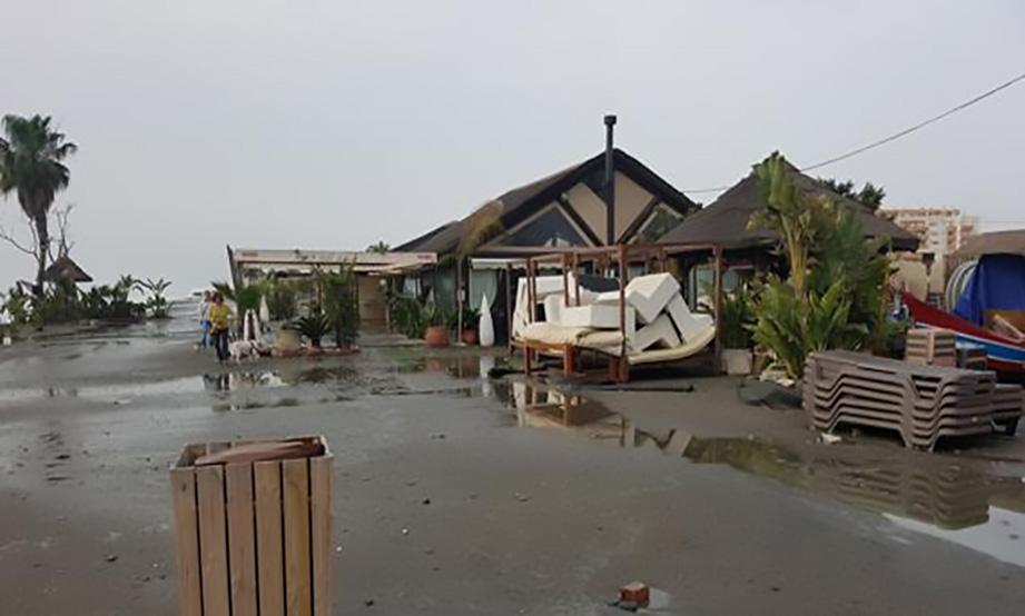 Destrozo en las playas de Vélez-Málaga a causa del temporal
